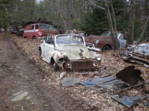 21331e1409847a28c4ef899093f9c7cb--abandoned-cars-abandoned-vehicles
