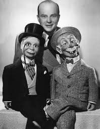 Edgar Bergen with Charlie McCarthy and Mortimer Snerd 1949 | Charlie  mccarthy, Old time radio, Old movie stars