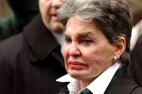 Leona Helmsley's executors seek $100M for handling estate