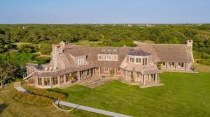 Barack and Michelle Obama Reportedly Close Deal for $11.75 Million Martha's  Vineyard Estate - Mansion Global